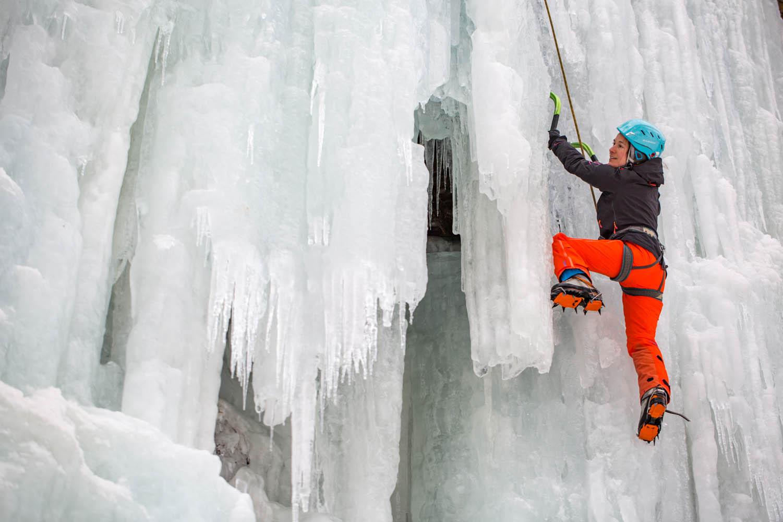 5D_L4401Eisklettern in Österreich.Ice Climbing in Austria.Photo: Felix Rahm