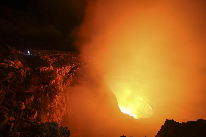 150604_15382Auf der ersten Terrasse des Benbow Vulkan auf der Insel Ambrym, Vanuatu.On the first terrace of Benbow Volcano, Ambrym Island, Vanuatu.