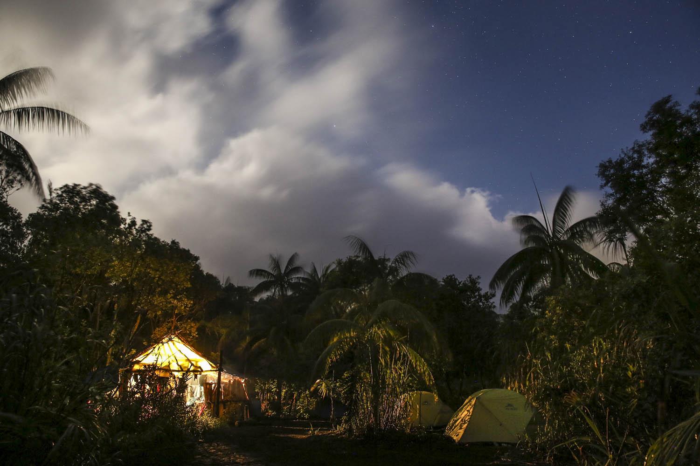150531_7731Basislager in der Caldera, dem alten Krater der Insel Ambrym, Vanuatu.Base camp inside the Caldera of Ambrym Island, Vanuatu.