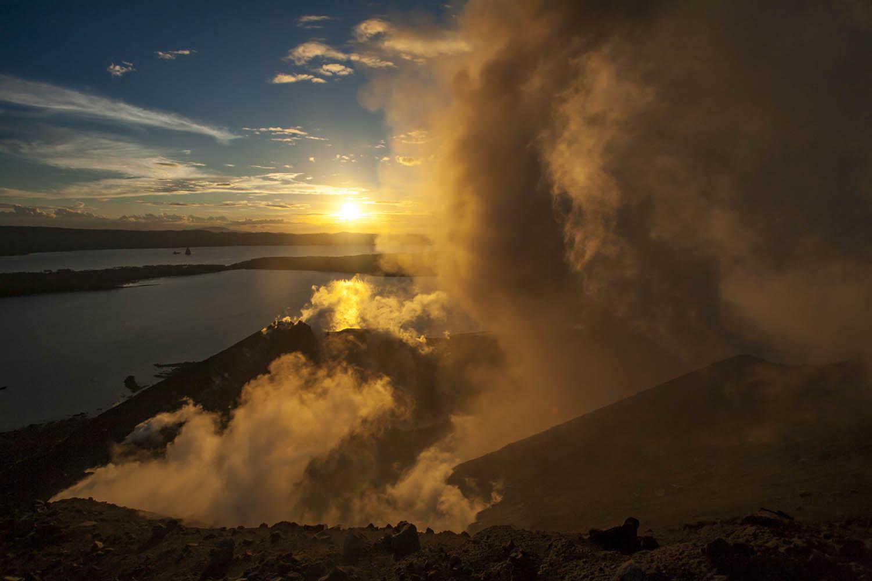 PNG08_0702_0144Tavurvur Vulkan, Papua Neuguinea.Tavurvur Volcano, Papua New Guinea.