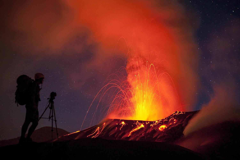 PNG09_2401_1607Der Vulkan Tavurvur bricht aus, Papua- Neuguinea.Volcano Tavurvur erupts, Papua New Guinea.