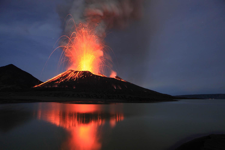 PNGBBC09_0305_29976Tavurvur Vulkan, Papua Neuguinea.Tavurvur Volcano, Papua New Guinea.