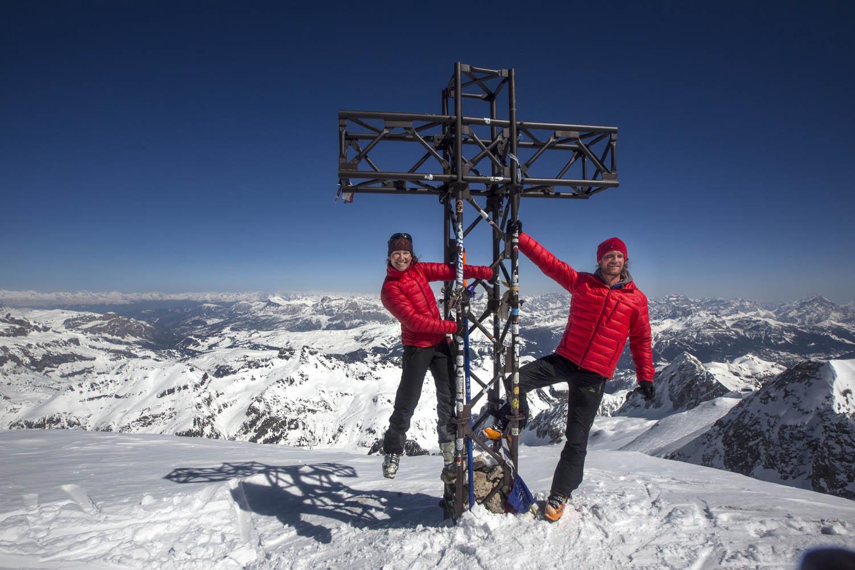 140329_2520Sebastian Hofmann und Ulla Lohmann haben den Gipfel der Punta Penia, Marmolata auf 3343 m erreicht. Die Reise aus eigener Kraft dauerte ein Jahr und 250 Kilometer, Dolomiten, Italien.Sebastian Hofmann and Ulla Lohmann have finally reached th