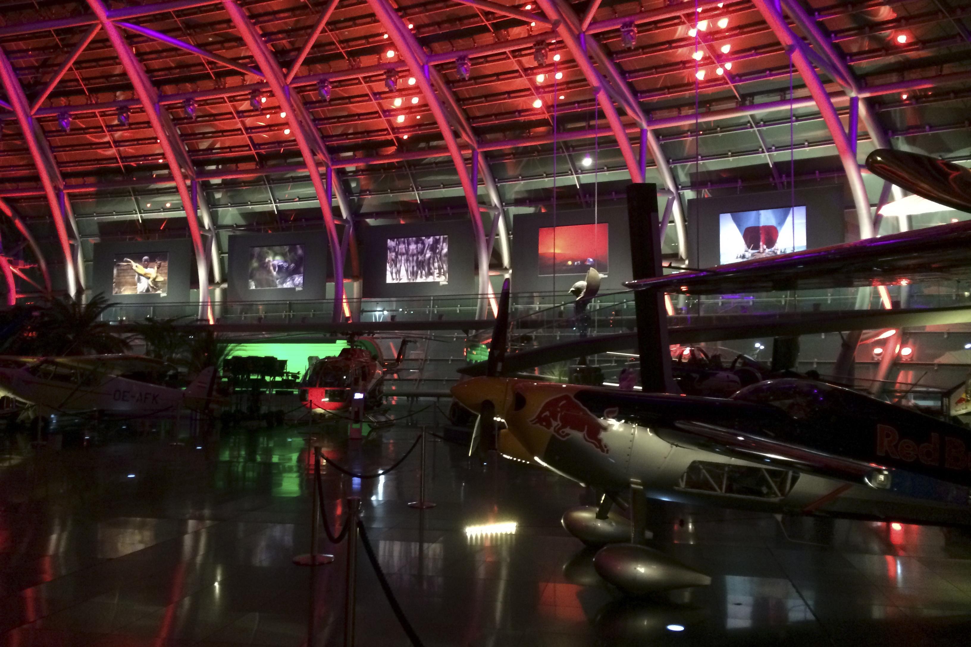 """160428_39Ausstellung im renommierten """"Hangar 7"""" bei Red Bull in Salzburg, Österreich.Exhibit in the reknown """"Hangar 7"""" at Red Bull in Salzburg, Austria."""